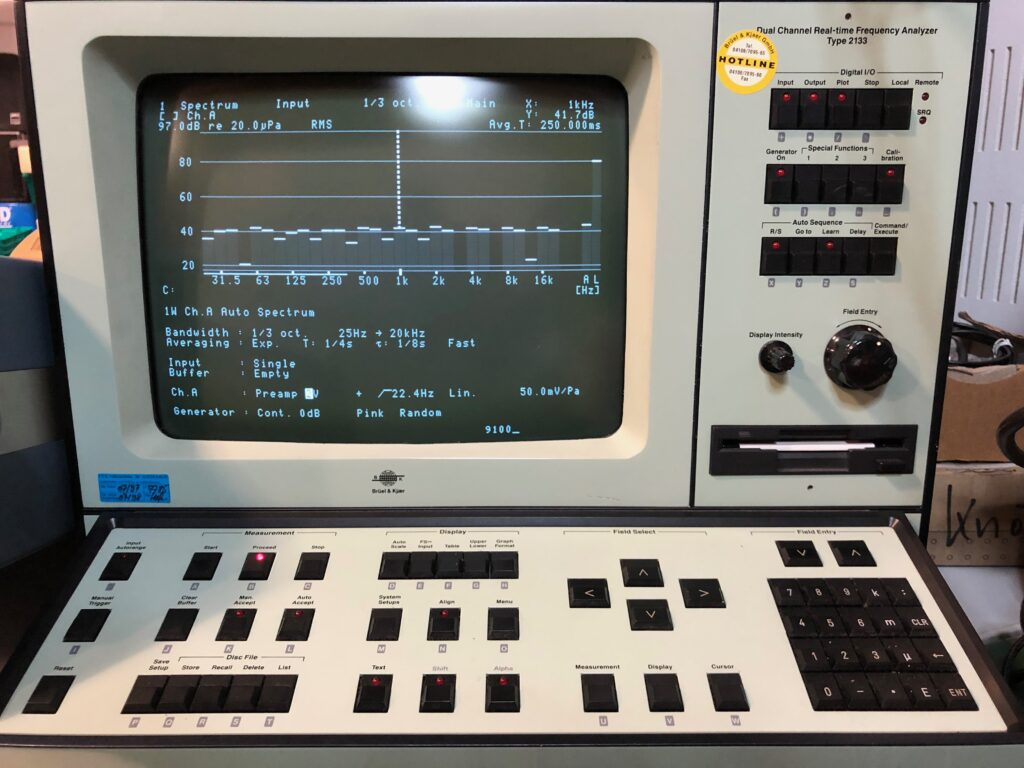 Bruel-Kjaer-Dual-Channel-Real-time-Frequenz-Analyzer-Type-2133